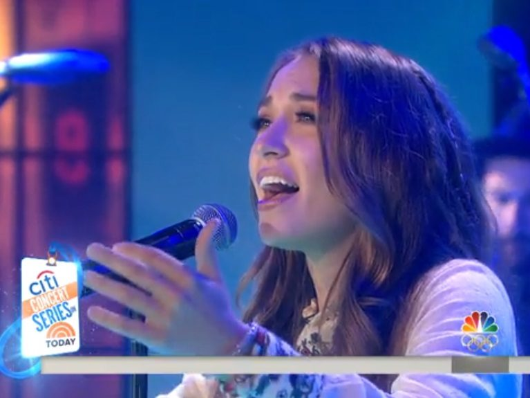 Lauren Daigle livenä NBC:n aamushowssa
