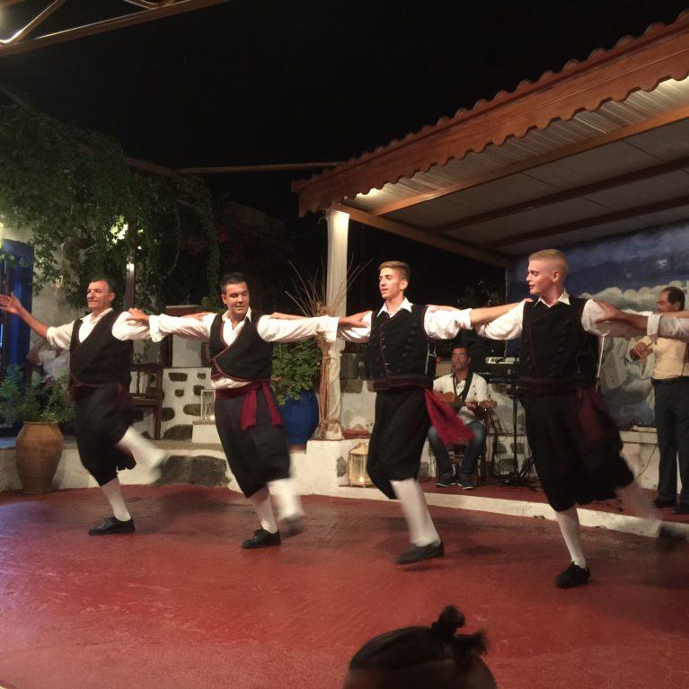 Kreikkalaista tanssia Patmos-saarella 3.-10.9.2018