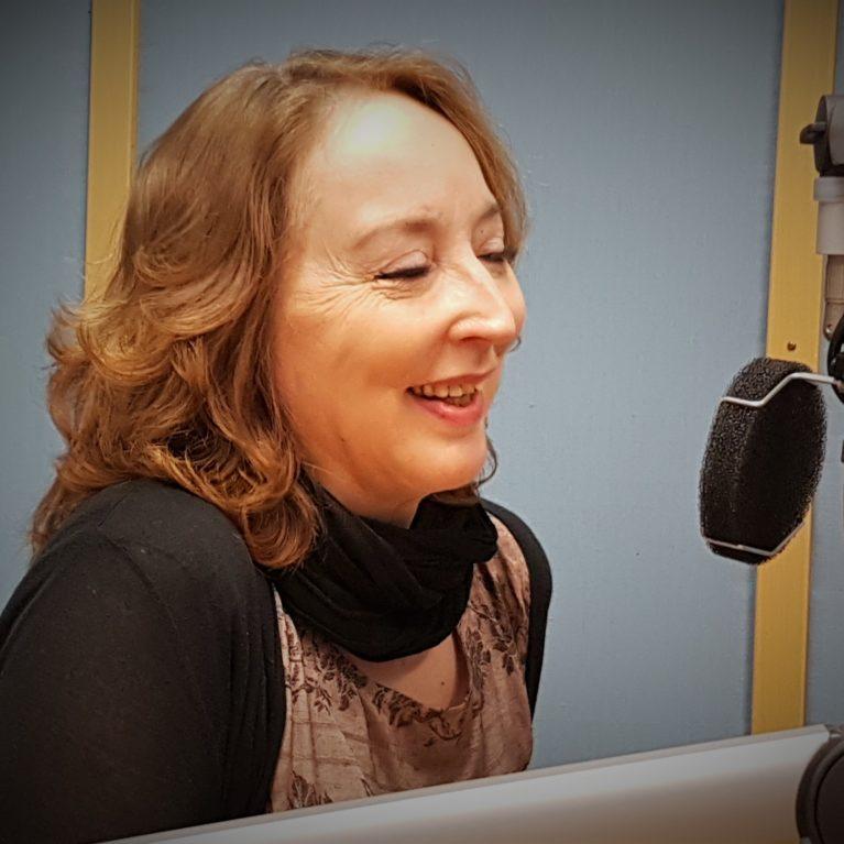 Sosiaalipsykologi Katriina Järvinen avaa minuutta Rainer Frimanin vieraana