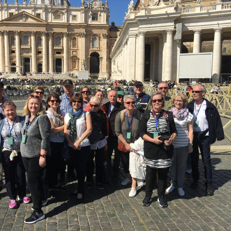 Rooman Deimatkan juttuja pääsiäisenä radiossa
