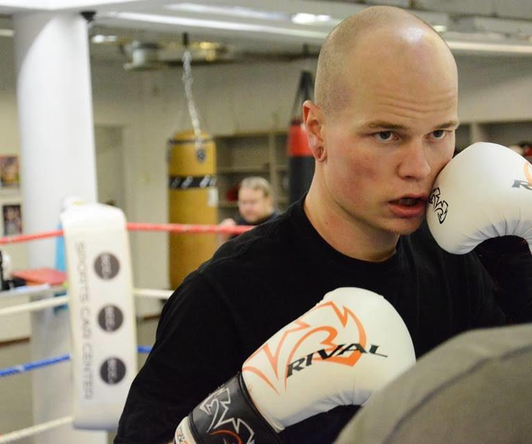 Nyrkkeilijä Niklas Räsänen puhuu Jeesus-laulustaan