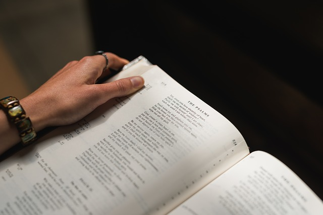 Tänään Raamattua luetaan etiikka edellä