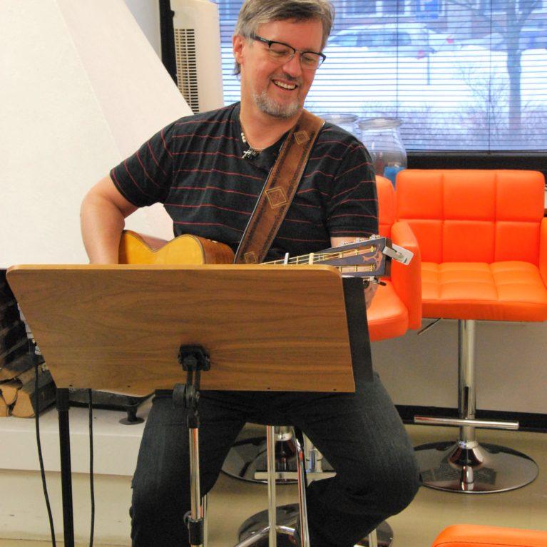 Pekka Simojokea juhlittiin Radio Deissä