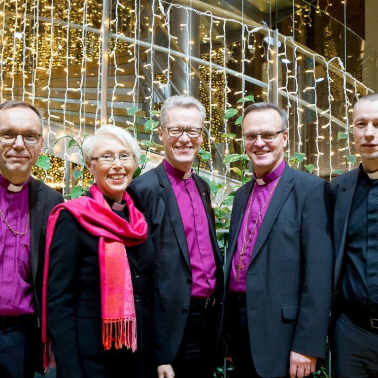 Radio Dei summaa arkkipiispanvaalin topit ja flopit sekä avaa vaalistudion