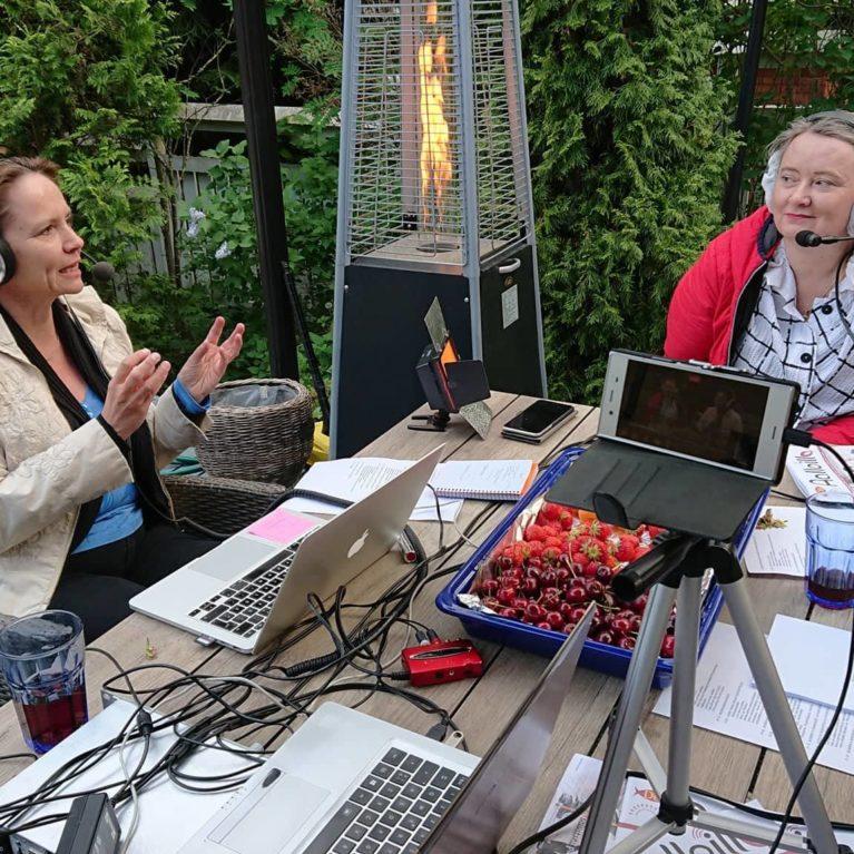 KATSO VIDEO: Aurinkorannikon kesäilta -ohjelmassa keskusteltiin yhteisöllisyydestä Unna Lehtipuun ja Liisa Varhon kanssa