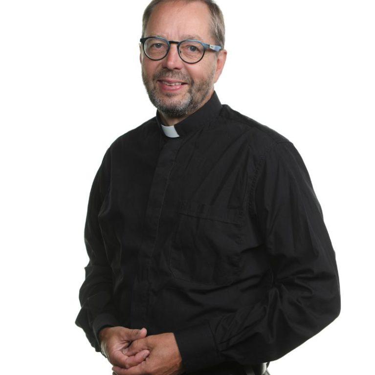 Espoon piispanvaalitentissä vuorossa rinnalla kulkija ja kouluttaja