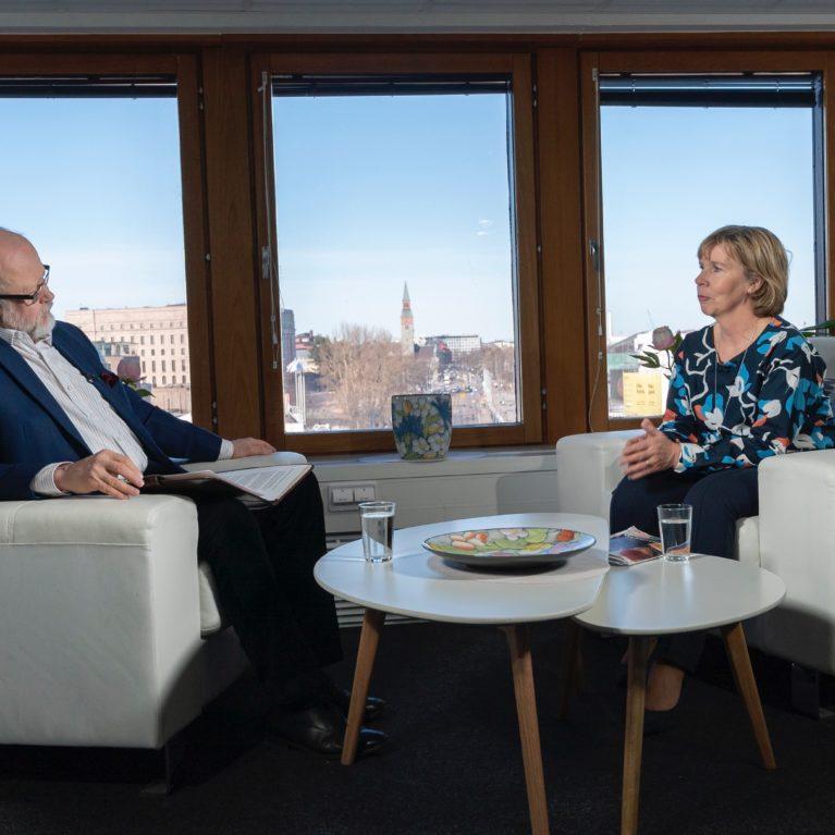 """KUUNTELE: Rkp:n Anna-Maja Henriksson Radio Dein tentissä: """"Olemme se varsinainen liberaalipuolue Suomessa"""""""