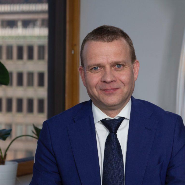 KUUNTELE: Tuore gallup lyö painetta kokoomukselle – Petteri Orpo ponnistaa pohjalukemista Radio Dein vaalitenttiin