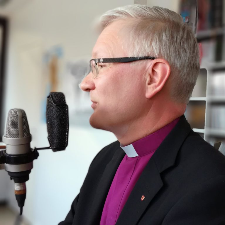 """KUUNTELE: Piispa Häkkinen Halla-ahon ja Laajasalon keskustelusta: """"Kirkkopäivät on tarkoitettu erilaisille kohtaamisille."""""""