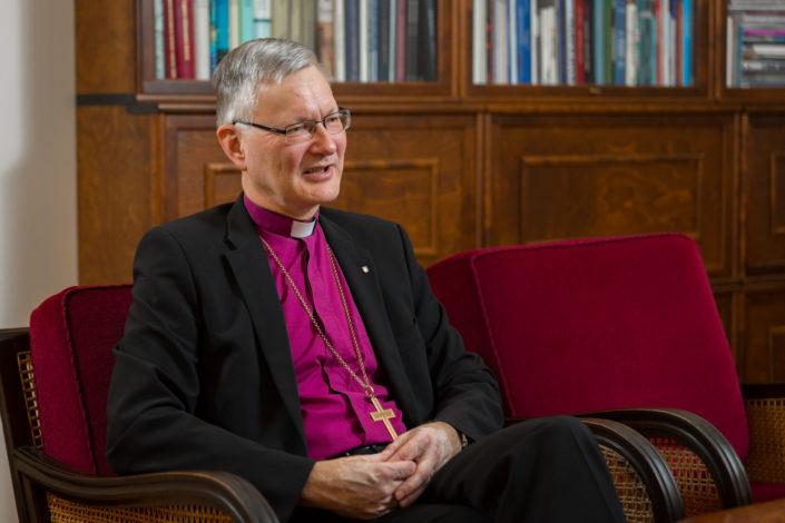Maakunnallinen ja kirkollinen media tenttaa piispa Seppo Häkkistä