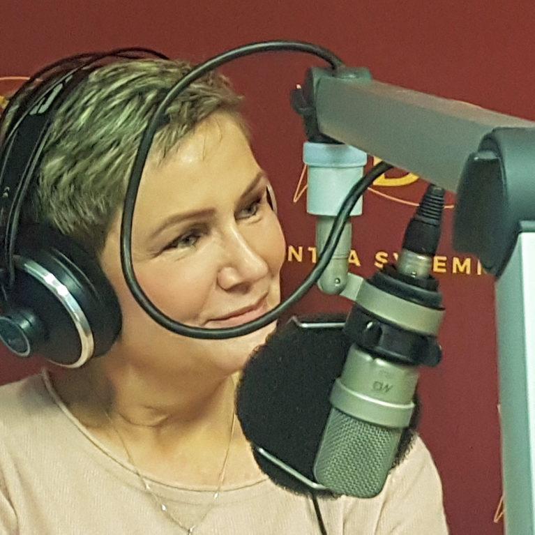 """KUUNTELE – Eija-Riitta Korhola: """"Ihminen voi helposti uuvuttaa itsensä kuplan sisällä varjonyrkkeillen"""""""