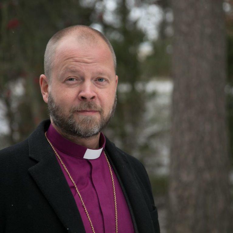 KUUNTELE: Presidentin puhetta kiitellyt Teemu Laajasalo vastaa journalistien kysymyksiin Piispan kyselytunnilla