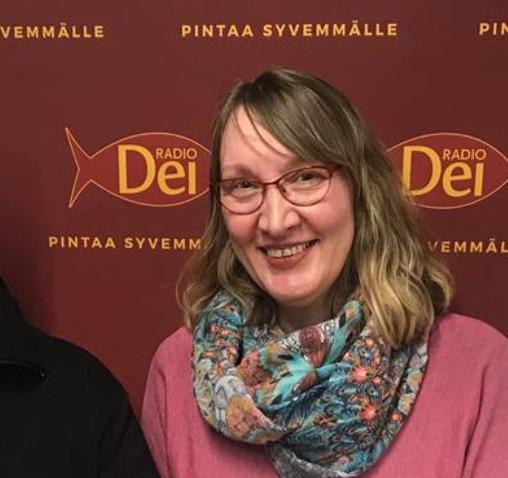 KUUNTELE: Ex-Criminals & Heli Karjunen – Sekoilu vaihtui hymyksi huulille