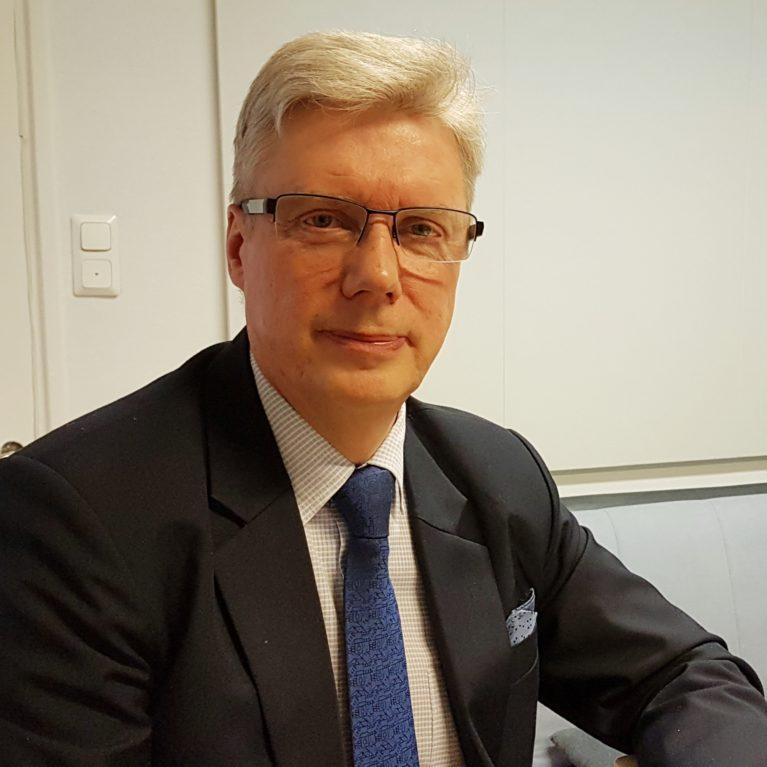 """KUUNTELE: Seinäjoen kaupunginjohtaja Jorma Rasinmäki Herätys!-aamulähetyksessä: """"Nyt tulee pitää yritykset pystyssä"""""""