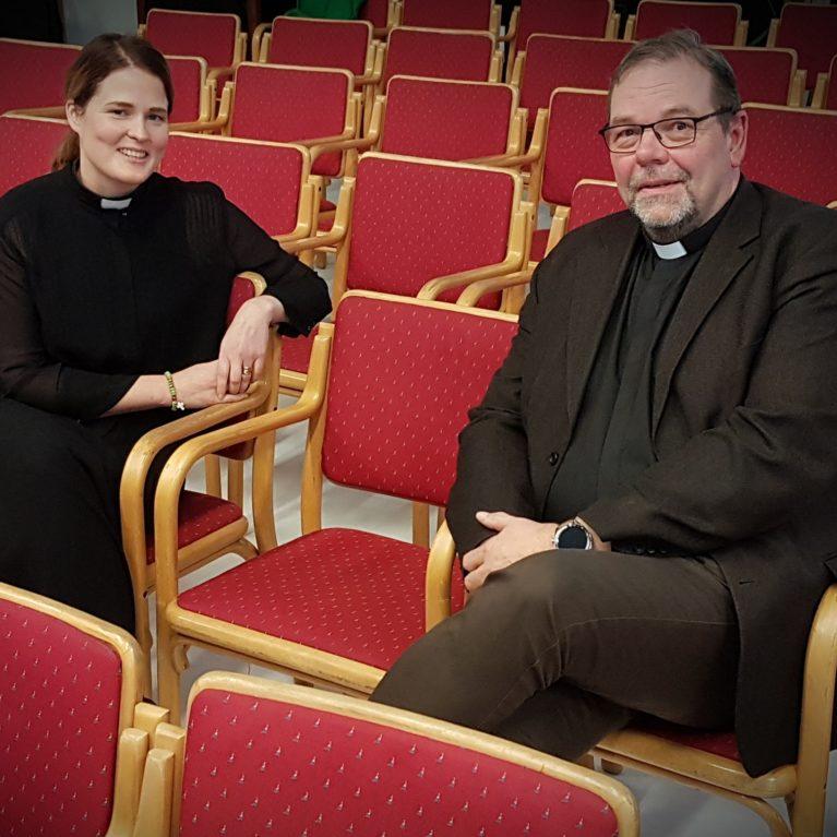 Piispanvaalin toisen kierroksen vaalitentissä Mari Leppänen ja Jouni Lehikoinen