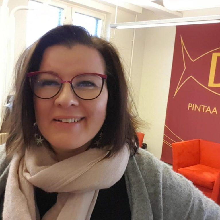 KUUNTELE laulaja-evankelista Jaana Pöllänen #herätys! -aamuvieraana