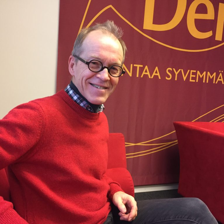 KUUNTELE Jukka Salminen kaipaa kosketusta jouluun