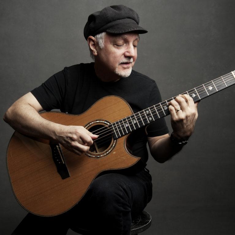 Kitaristi Phil Keaggy Aalloilla ensi kertaa Suomessa