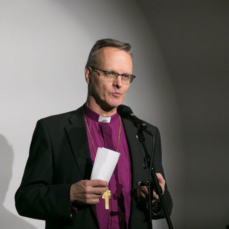 KUUNTELE: Piispan kyselytunti – arkkipiispa Tapio Luoma pohti sananvapautta, kirkon korona-ajan kekseliäisyyttä ja avioliittokäsitysten rinnakkaiseloa