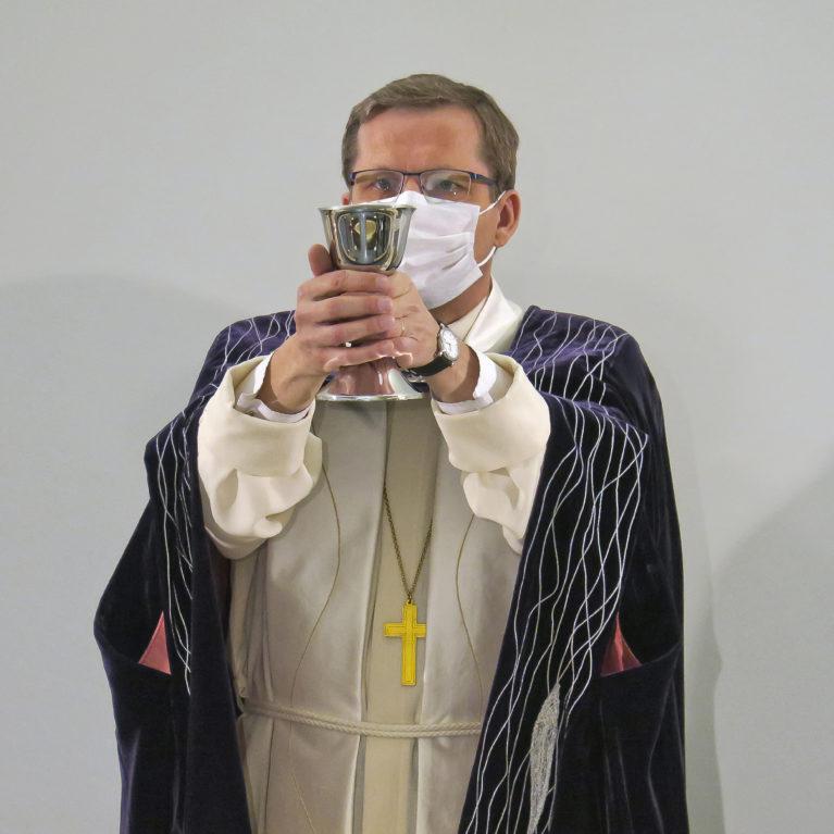 Oulun piispa Jukka Keskitalo Piispan kyselytunnin vieraaksi