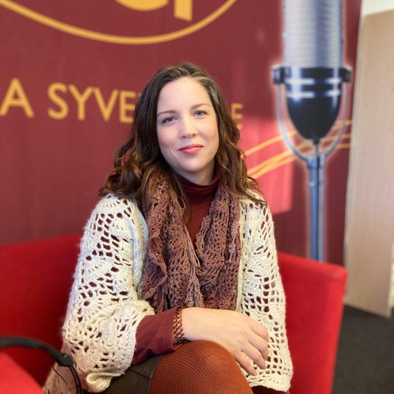 KUUNTELE: Matkan tarkoitus on oppia, mitä rakkaus on, sanoo erobiisin kirjoittanut Maija Karoliina